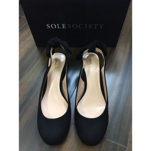 Sole Society Black So-Opal Heels